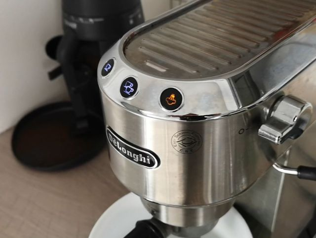 DeLonghi LED leuchtet orange